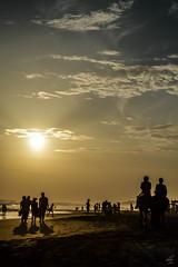 Tardes (kvmatus) Tags: tarde atardecer playa contraste contraluz nikon d3200 drama paisaje people acapulco cielo sky calido nubes cloud