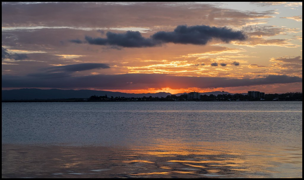 Sunset over Bramble Bay Woody Point -01=