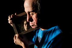 (iLana Bar) Tags: espelho intimidade familia familiar autorretrato reflexo luz contraste cor sindromededown fotografia ilanabar narciso