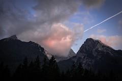 Nebelschwaden um den Gipfel jagen...... (desmokurt1) Tags: ramsau nationalparkberchtesgaden hintersee hochkalter wolken berge mountain steinberg schrtenspitz sunset sonnenuntergang fuji fujixt1 kurtessler color farbe 55200mm tele