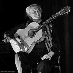 Pedro Soler (hervedulongcourty) Tags: alviento bw carlzeiss carlzeisslenses cathedralesaintecroixdesarmeniens concert flamenco france gig guitar guitare jazz jazzsession music musique nb paris pedrosoler saintecroixdesarmeniensscathedral sony sonya7s square squareformat zeiss zeissaposonnart2135zf2 aposonnart2135 blackandwhite europe guitarist manualfocus photo photography 1025fav 123bw noiretblanc ngc
