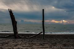 _DSC0966 (. ..::..::::....:::::m.trinciarelli photo::..:..) Tags: mare tramonto cielo spiaggia maredinverno pace