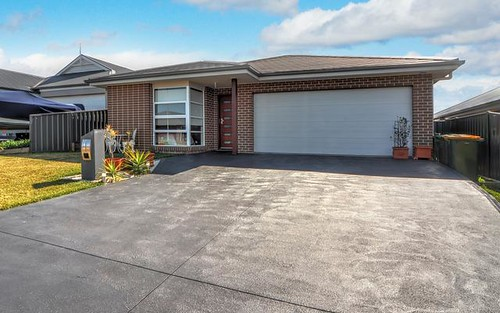 9 Flemmings Cres, Horsley NSW