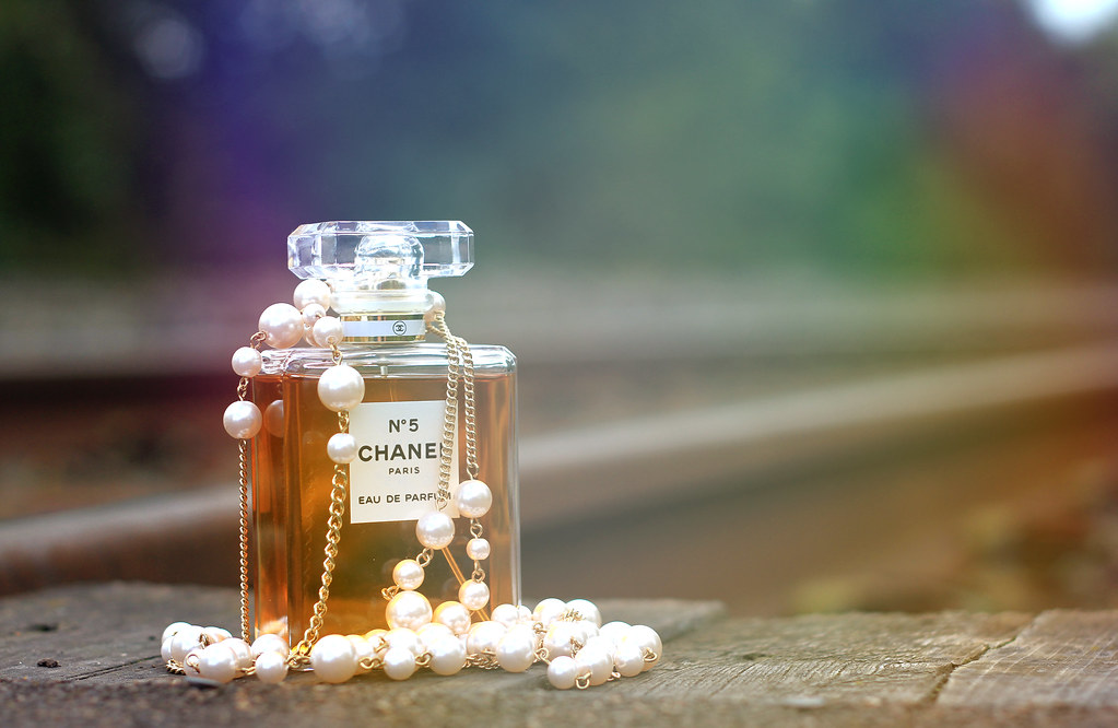 The Worlds Best Photos Of Necklace And Parfum Flickr Hive Mind