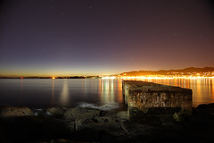 Un Viejo Muelle (F SoGel) Tags: sunset sea sky espaa lightpainting rock night stars muelle mar paisaje explore galicia cielo estrellas crepusculo ocaso pontevedra rocas arenal landspace cangas morrazo mt7 noctuna rodeira ledlenser laboratoriofsg