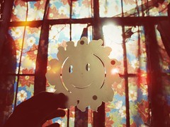 125/366: Hello, Sunshine! (camerakarrie) Tags: windows sun sunlight floral curtains 366days camerakarrie karrienodalo