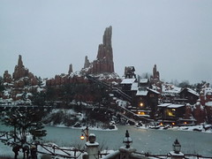 Thunder Mesa from Phantom Manor (CoasterMadMatt) Tags: park winter mountain snow paris france weather season french photography big  photographie photos snowy euro disneyland hiver january disney resort photographs theme neige blanche temps janvier parc thunder franais mesa park bigthundermountain frontierland disneylandparis saison disneylandresortparis thundermesa parc thme 2013 theme paris euro disney coastermadmatt disneyland thme