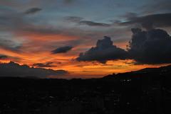 Un buen momento (h_pestana) Tags: sky clouds atardecer venezuela paisaje paisagem caracas cielo nubes nuvens ceu entardecer postadosol