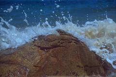 Splash (a.ninguem) Tags: ubatuba pentax k1000 film 35mm kodak color beach waves sun secluded