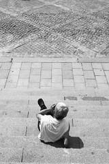 Suivi #5 (franck__l) Tags: 2016 paris streetphotography streetphotographer streets streethunter noiretblanc blackandwhite suivi portrait