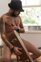 Music III (felipeamaralb) Tags: violo oquepodeocorpo face young nu guitar nuartstico man urban jovem nude music retrato tattoo portrait nikkor tatuagem homem filosofia