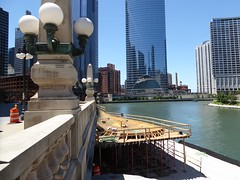 Chicago, Chicago River, North End of Riverwalk, Soon to Open (Mary Warren (7.3+ Million Views)) Tags: chicagoriver wolfpoint architecture building skyscrapers urban chicago riverwalk construction