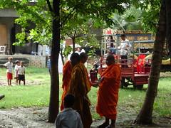 DSC00182 (redlandman) Tags: buddhism buddhist funeral wat poipet kampuchea cambodia