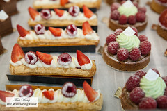 Eclairs and raspberry pistachio tarts (thewanderingeater) Tags: gontrancherrier patisserie boulangerie bakery ruecaulaincourt montmartre