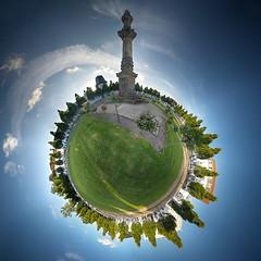 Putbus, Markt (Sven Grard (lichtkunstfoto.de)) Tags: pano panorama panoramic sphere little planet 300 rgen putbus markt sonne sun wolken clouds platz square sule denkmal park bume tree trees hdr nikon d750