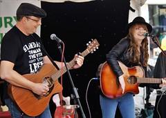 Gary & Ellie Mae (dlanor smada) Tags: openmic aylesbury bucks musicians guitarists