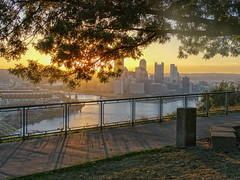 Golden Dawn (Paul McCarthy...) Tags: pittsburgh goldenhour views sonyhx300 teamsony visitpittsburgh westendoverlook thecitywithaview