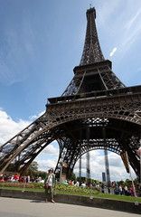 La Tour Eiffel (Erika & Rdiger) Tags: paris france latoureiffel champdemars