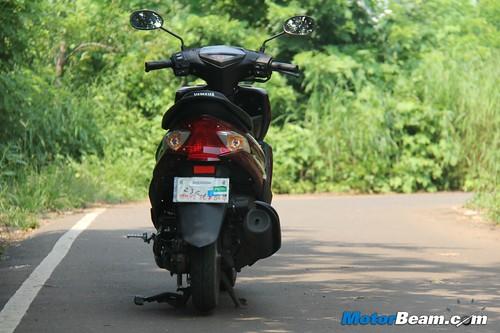 2012-Yamaha-Ray-17