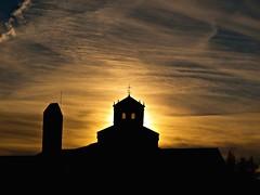 Luz interior (Jesus_l) Tags: espaa luz europa valladolid sanbernardo valbuenadeduero monasteriosantamaradevalbuena jesusl