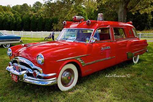 Packard Ambulance by Henney - front