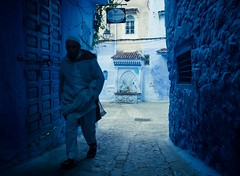 Blues (cafard cosmique) Tags: africa mountain photography photo foto image northafrica morocco maroc chaouen chefchaouen marruecos marokko rif marrocos afrique chefchouen xaouen chouen afriquedunord    bluetowncity
