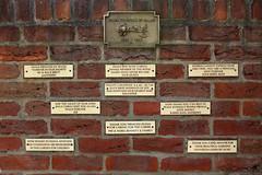 DIANA PRINCESS OF WALES (Leo Reynolds) Tags: wall canon eos iso100 memorial 7d f80 22mm hpexif 0017sec leol30random xleol30x xxx2012xxx