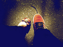 a look at the streets (leandrosillva) Tags: cameras skate luzes sapatos