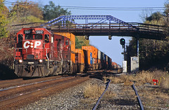 CP 5612, NS Chicago Line, Corunna, Indiana (monon738) Tags: railroad bridge train pentax indiana railway locomotive cp canadianpacificrailway emd sd402 railfanning diesellocomotive emdsd402 containertrain electromotivedivision z1p pentaxz1p intermodaltrain smcpa70210mmf4 cp5612 nschicagoline corunnaindiana ns23t nycsignals