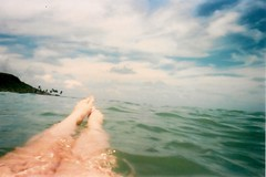 joo pessoa (  marina  ) Tags: sea summer brazil sky sun verde green film feet beach me water girl brasil clouds photography foot mar legs kodak hipster young cu teen indie nuvens vero filme ceu waterproof disposable