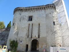 Loches. Entrée de la Cité royale. (Only Tradition) Tags: touraine indreetloire 37 france frança franca francia франция frankreich frankrijk franţa franciaország