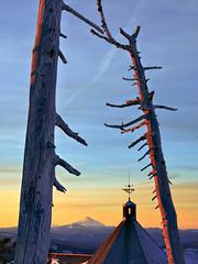 Timberline (ebutterspdx) Tags: timberlinelodge east west mountain ski mounthood dawn sunrise lodge oregon unitedstates