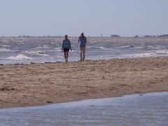 3385 Strolling on the beach (Andy panomaniacanonymous) Tags: 20160815 bbb beach ccc couple female fff kent littlestoneonsea man mmm people ppp sea sss strolling walking water woman www