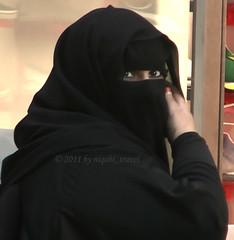 black niqab- red nail (niqabi_travel) Tags: niqab veil muslim lady women islam