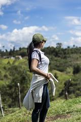Manuela (sebastians0305) Tags: mujer manuela bosque retrato moda verde cielo azul nia naturaleza blanco gorra gafas finca granja campo colombia vereda medellin antioquia