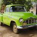 Un vecchio furgoncino Chevrolet