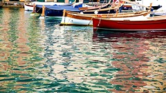 liguria (occhiobliquo) Tags: sea italy colour mirror boat italia waves liguria refraction terre cinque mirroring panoramafotogrfico