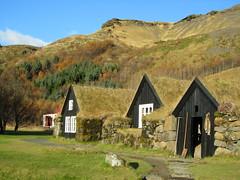 Iceland - Hvolsvollur - Skogasafn Folk Museum - Old Houses (JulesFoto) Tags: museum iceland folkmuseum skogar outdoormuseum skogasafn hvolsvollur