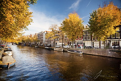 Autumn in Amsterdam (Jinna van Ringen) Tags: autumn colors leaves amsterdam canon canals polarizer circularpolarizer circularpolariser canon1740mmf4l jorinde jinna canon1740mm canoneos5dmarkii jorindevanringen jinnavanringen jinnavanringenphotography