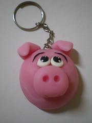 Chaveiro Porquinho (1) (Kelly arte e costura) Tags: artesanato biscuit trabalhosmanuais lembrancinhas chaveiros porcelanafria
