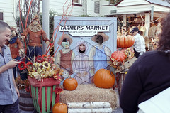 Face In A Hole (bhop) Tags: california los fuji angeles grove farmers market fujifilm x100