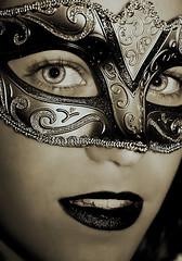 Happy Halloween!! (The Last Flash) Tags: venice portrait halloween girl face dark costume eyes chica mask retrato cara ojos disfraz carnaval mascara venecia