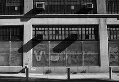 Heid (phillytrax) Tags: city shadow urban blackandwhite bw usa philadelphia monochrome america graffiti unitedstates pennsylvania pa philly grayscale 13thstreet cityofbrotherlylove callowhill eraserhood heidbuilding
