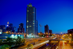 Autopista - Edificio (javier_carras) Tags: santiago urban slr skyline architecture night buildings edificios highway downtown cityscape colours skyscrapers pentax towers overpass center panoramic autopista views desorden vistas hdr highrises cruce cladding torres nudo rascacielos cieloazul urbanviews beautifulsettings pentaxsmc vialidad kmount justpentax pentaxart pentaxda1855mm13556al