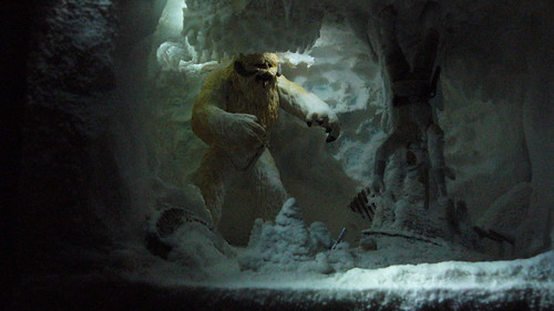 "Wampa Cave diorama • <a style=""font-size:0.8em;"" href=""http://www.flickr.com/photos/86825788@N06/8362685542/"" target=""_blank"">View on Flickr</a>"