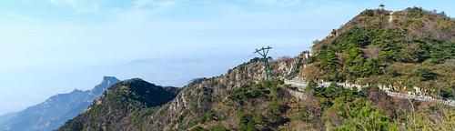 Pano: 山東泰山纜車旅遊人流 山东泰山缆车旅游人流 Shandong Province Mount Tai Cable Car Tourism Human Logistics / 中國旅遊 中国旅游 China Tourism / SML.20121011.7D.09508-09509.Pano