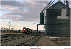 Northbound at Moccasin (Robert W. Thomson) Tags: railroad train montana diesel railway trains locomotive trainengine bigmac ge bnsf moccasin emd burlingtonnorthernsantafe es44dc gevo sd70 sd70m sd70mac es44 evolutionseries sixaxle es44c4