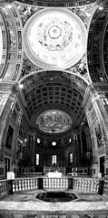 Basilica di Sant'Andrea (max.fontanelli) Tags: mantova mantua chiesa church cattedrale cathedral duomo dome panoramica arte art scultura sculpture bw black and white bianco nero