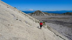 Mt St Helens Loop (Washington, August 2016) - 90 (threeleggeddog) Tags: hiking backpacking tecla bruno teclaris brunorijsman mtsthelens mountsainthelens sthelens volcano