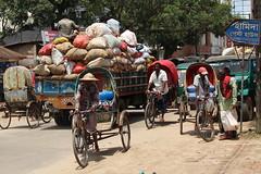 Moving things (I.M.W.) Tags: bangladesh market sylhet srimangal street asia